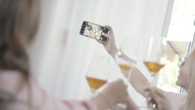 Φωτογραφία GGeneral της επιχείρησης των φίλων: αυτοί που κάνουν selfie φιλμ μικρού μήκους