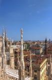 Φωτογραφία HDR των άσπρων μαρμάρινων αγαλμάτων του Di Μιλάνο Duomo καθεδρικών ναών στην πλατεία, εικονική παράσταση πόλης του Μιλ Στοκ εικόνα με δικαίωμα ελεύθερης χρήσης