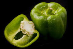 φωτογραφίες πιπεριών μονοπατιών επίσης ψαλιδίσματος οι πράσινες απομονωμένες βλέπουν το παρόμοιο λευκό Στοκ Φωτογραφίες