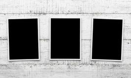 Φωτογραφίες στο ξύλινο υπόβαθρο Στοκ φωτογραφία με δικαίωμα ελεύθερης χρήσης