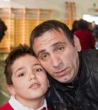 φωτογραφίστε που απεικονίζει τον πατέρα και το γιο σε μια υπενθύμιση selfie στοκ φωτογραφία με δικαίωμα ελεύθερης χρήσης