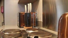 Φωτογραφική διαφάνεια στην κουζίνα απόθεμα βίντεο