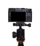 Φωτογραφική μηχανή σε ένα τρίποδο στοκ εικόνα