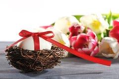 Φωλιά Πάσχας με το αυγό Πάσχας Στοκ φωτογραφία με δικαίωμα ελεύθερης χρήσης