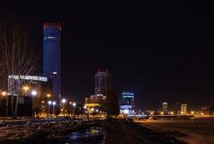 Φω'τα κεντρικής νύχτας πόλεων Yekaterinburg χειμερινά που εγκαταλείπονται Στοκ εικόνες με δικαίωμα ελεύθερης χρήσης
