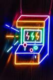 Φω'τα νέου της μηχανής arcade Στοκ φωτογραφία με δικαίωμα ελεύθερης χρήσης