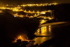 Φω'τα νύχτας στο χωριό Arrifana Στοκ φωτογραφία με δικαίωμα ελεύθερης χρήσης