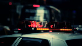 Φω'τα περιπολικών της Αστυνομίας στην πόλη ΗΠΑ της Νέας Υόρκης φιλμ μικρού μήκους