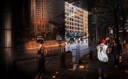 Φω'τα, σκιές και αντανακλάσεις στις οδούς NYC Στοκ εικόνες με δικαίωμα ελεύθερης χρήσης