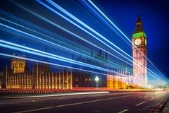 Φω'τα του Λονδίνου & ιχνών στοκ εικόνα με δικαίωμα ελεύθερης χρήσης