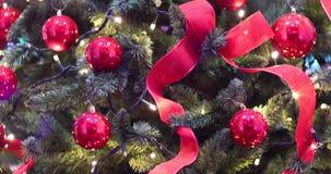 Φω'τα Χριστουγέννων, διακόσμηση, κορδέλλες φω'των και μπιχλιμπίδια χριστουγεννιάτικων δέντρων φιλμ μικρού μήκους