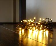 Φω'τα Χριστουγέννων στο έδαφος στοκ φωτογραφίες