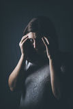 Φόβος, μοναξιά, κατάθλιψη, κατάχρηση Στοκ εικόνα με δικαίωμα ελεύθερης χρήσης