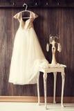 Φόρεμα & μαργαριτάρια Στοκ εικόνα με δικαίωμα ελεύθερης χρήσης