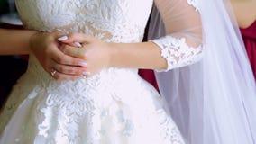 Φόρεμα νυφών επάνω το φόρεμα Νύφη πρωινού απόθεμα βίντεο