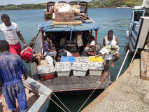 Φόρτωση σκαφών στο λιμένα Ankify, Μαδαγασκάρη Στοκ φωτογραφίες με δικαίωμα ελεύθερης χρήσης