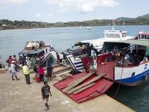 Φόρτωση σκαφών στο λιμένα Ankify, Μαδαγασκάρη Στοκ εικόνα με δικαίωμα ελεύθερης χρήσης