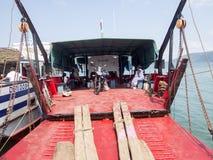 Φόρτωση σκαφών στο λιμένα Ankify, Μαδαγασκάρη Στοκ Φωτογραφίες