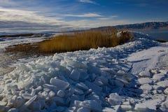 Φύλλα πάγου λιμνών της Γιούτα το χειμώνα στοκ φωτογραφίες