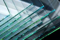 Φύλλα του εργοστασίου που κατασκευάζει τις μετριασμένες σαφείς επιτροπές γυαλιού επιπλεόντων σωμάτων που κόβονται στο μέγεθος στοκ εικόνα με δικαίωμα ελεύθερης χρήσης