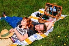 φύση αγάπης ζευγών Στοκ εικόνα με δικαίωμα ελεύθερης χρήσης