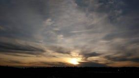 Φύση, αποσπάσματα, ήλιος, σύννεφα, ηλιοβασίλεμα Στοκ Φωτογραφίες