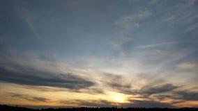 Φύση, αποσπάσματα, ήλιος, σύννεφα, ηλιοβασίλεμα Στοκ Εικόνες