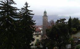 Φύση και εκκλησία πόλεων στο Λουγκάνο, Ελβετία Στοκ Φωτογραφία