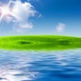 φύση λιμνών Ιουνίου πλησίο& στοκ φωτογραφίες