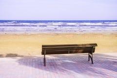 Φύση μπλε ουρανού θάλασσας παραλιών πάγκων Στοκ φωτογραφίες με δικαίωμα ελεύθερης χρήσης