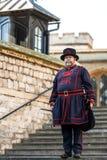 Φύλακας του πύργου του Λονδίνου δεσμοφυλάκων μικροκτηματιών στα καθημερινά undress ομοιόμορφα στον πύργο ο Στοκ Φωτογραφία