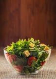 Φύλλα Arugula και ντομάτες κερασιών Στοκ φωτογραφίες με δικαίωμα ελεύθερης χρήσης