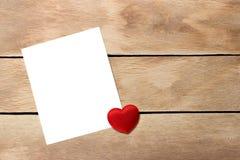 φύλλο εγγράφου καρδιών Στοκ Εικόνες