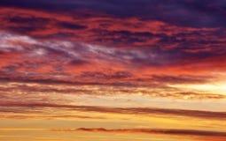 Φλογερός πορτοκαλής ουρανός ηλιοβασιλέματος Στοκ Εικόνες