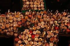 Φλογερός σταυρός με τα βάζα του μελιού Στοκ φωτογραφίες με δικαίωμα ελεύθερης χρήσης