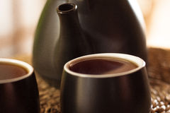Φλυτζάνια του τσαγιού και teapot στοκ εικόνα με δικαίωμα ελεύθερης χρήσης