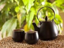 Φλυτζάνια του τσαγιού και teapot στοκ φωτογραφία με δικαίωμα ελεύθερης χρήσης