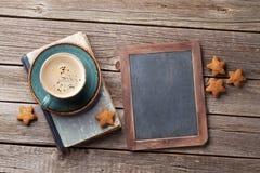 Φλυτζάνι και μπισκότα καφέ Στοκ Φωτογραφίες