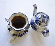Φλυτζάνι και teapot τσαγιού Στοκ εικόνα με δικαίωμα ελεύθερης χρήσης