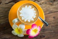 φλυτζάνι καφέ κίτρινο Στοκ Εικόνα