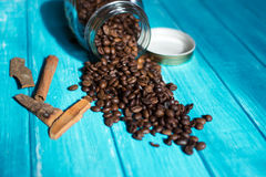 Φλυτζάνι καφέ και καφές στο boutle Στοκ εικόνα με δικαίωμα ελεύθερης χρήσης