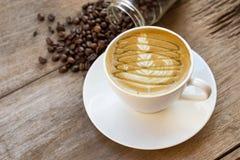 Φλυτζάνι καφέ και φασόλι καφέ Στοκ φωτογραφίες με δικαίωμα ελεύθερης χρήσης