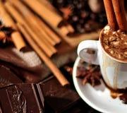 φλυτζάνι καφέ κανέλας Στοκ Φωτογραφίες