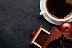 Φλυτζάνι καφέ με το διάστημα μύλων και αντιγράφων Στοκ Εικόνες