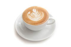 Φλυτζάνι καφέ της τέχνης rosetta latte στο άσπρο υπόβαθρο που απομονώνεται Στοκ Φωτογραφία