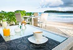 Φλυτζάνι καφέ Espresso από την παραλία Στοκ Φωτογραφία