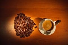 Φλυτζάνι με τον καφέ και τον ατμό Στοκ εικόνες με δικαίωμα ελεύθερης χρήσης