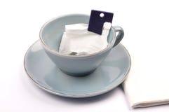 Φλυτζάνι με το χαλαρό τσάι Στοκ φωτογραφία με δικαίωμα ελεύθερης χρήσης