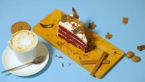 Φλυτζάνι του coffe με το κέικ απόθεμα βίντεο