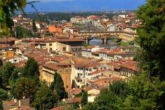 Φλωρεντία Ιταλία Γέφυρα Ponte Vecchio πέρα από τον ποταμό Arno Στοκ εικόνες με δικαίωμα ελεύθερης χρήσης